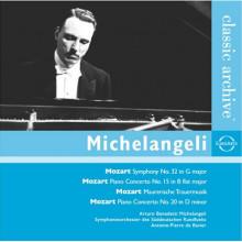 MICHELANGELI suona Mozart