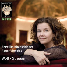 A.KIRCHSCHLAGER canta Wolf & Strauss